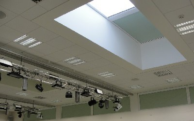 400x264 blackout-roof-blind