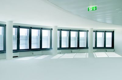 venetian-blinds-for-offices1